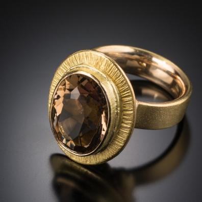 Cecitti Ring 14ky Topaz